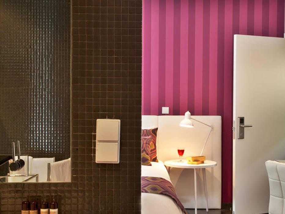 Modern Bedroom by shfa Modern
