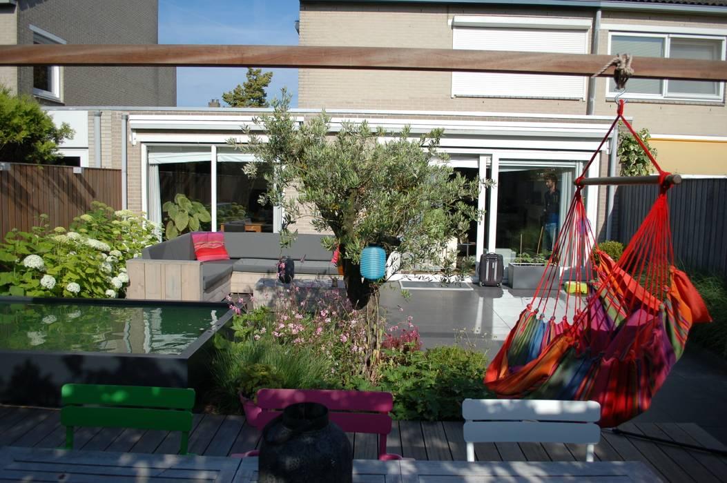 Jardines de estilo mediterráneo de Biesot Mediterráneo