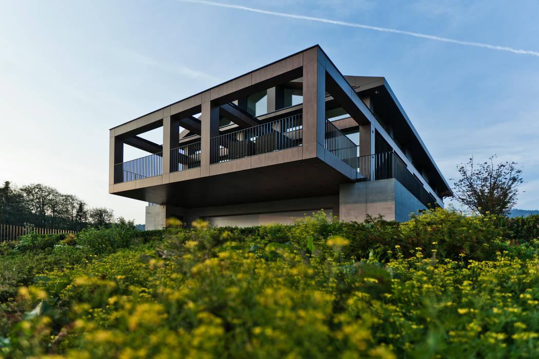 "EFH - ""SOLAR PUZZLE"" Moderne Häuser von SimmenGroup Holding AG Modern"