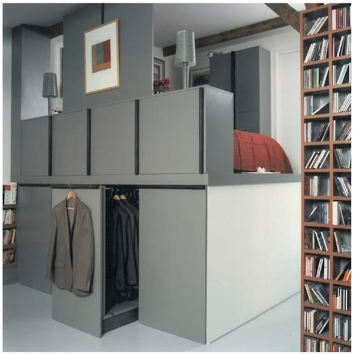 Dressing room by homify, Industrial