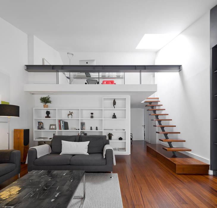 Ruang Keluarga Modern Oleh RRJ Arquitectos Modern