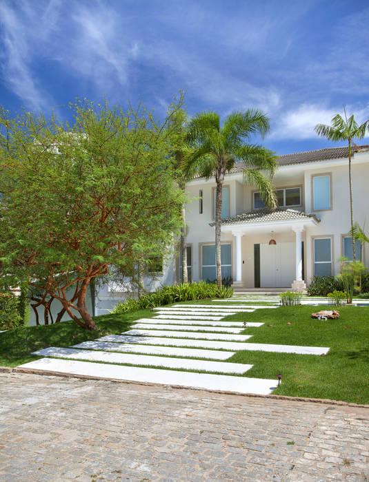 35 House Taman Modern Oleh Estúdio Barino   Interiores Modern