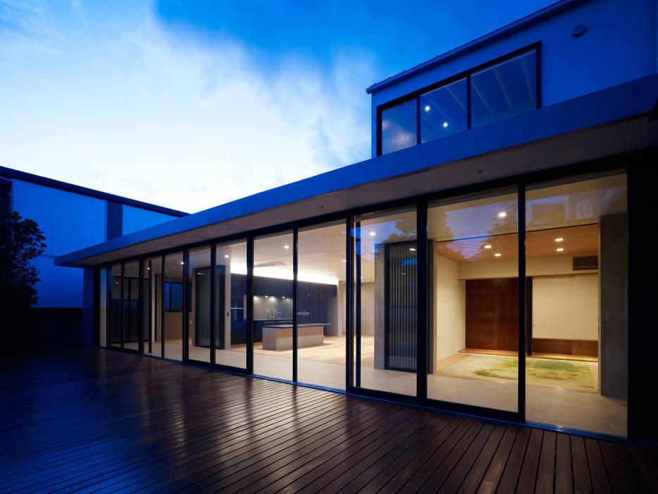 縁側のあるいえ モダンな庭 の ピコグラム建築設計事務所 モダン