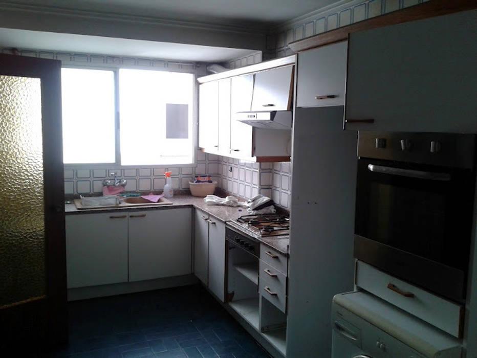 cocina antes de cota-zero, tenica y construcción integrada, s.l. Moderno