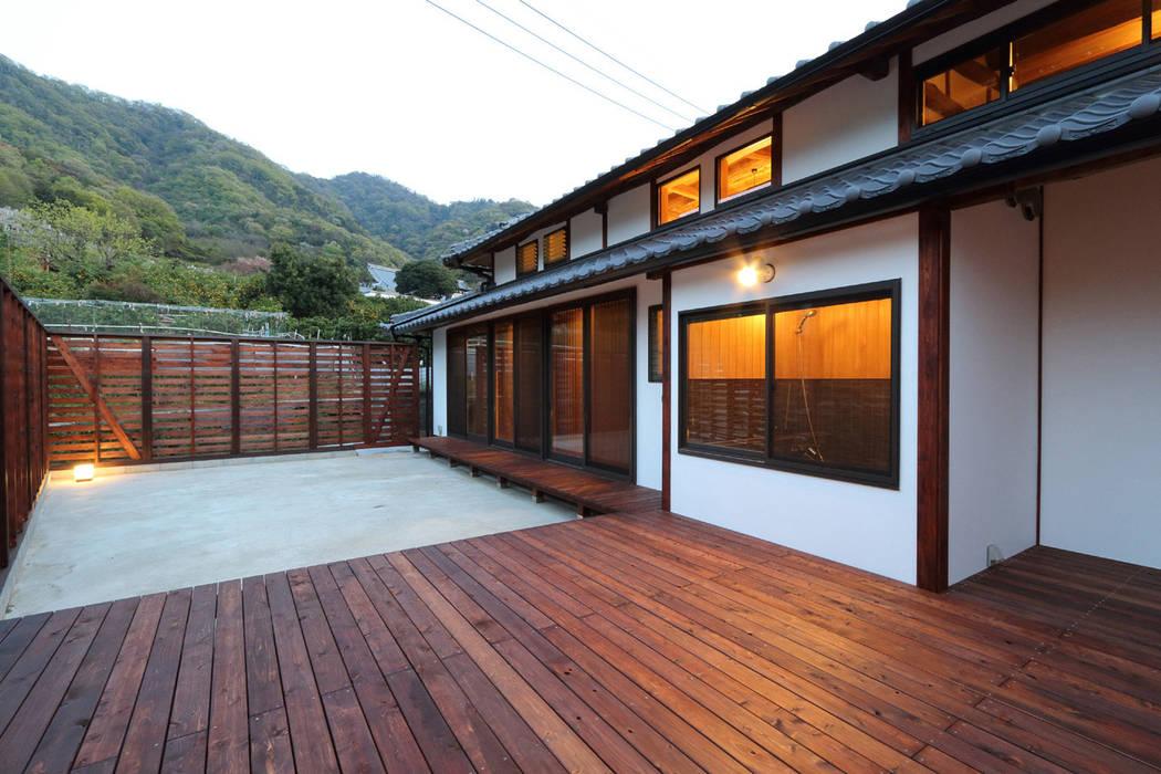 Jardines de estilo  de 株式会社濱田昌範建築設計事務所, Asiático