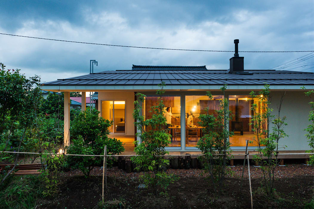 Modern home by エヌ スケッチ Modern