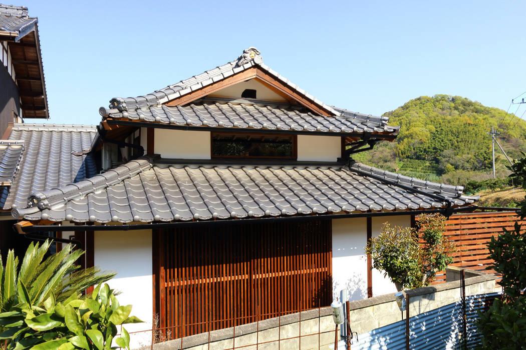 Casas de estilo asiático de 株式会社濱田昌範建築設計事務所 Asiático