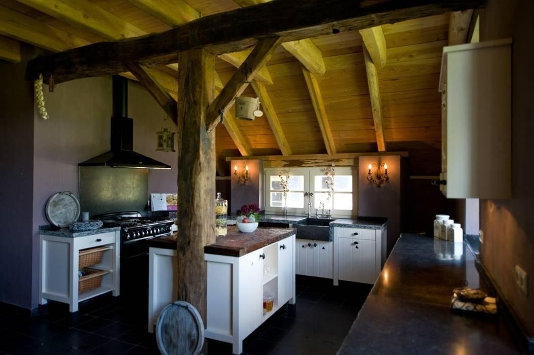 Cocinas de estilo rural de de Lange keukens Rural