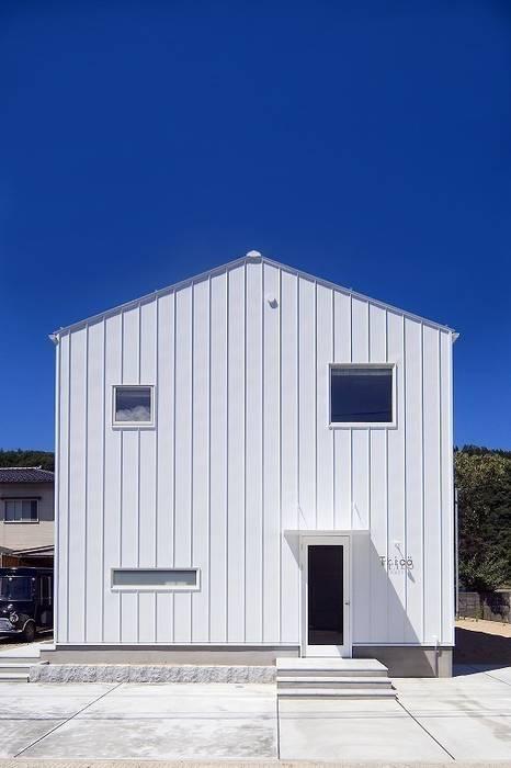 Houses by zuiun建築設計事務所 / 株式会社 ZUIUN, Modern