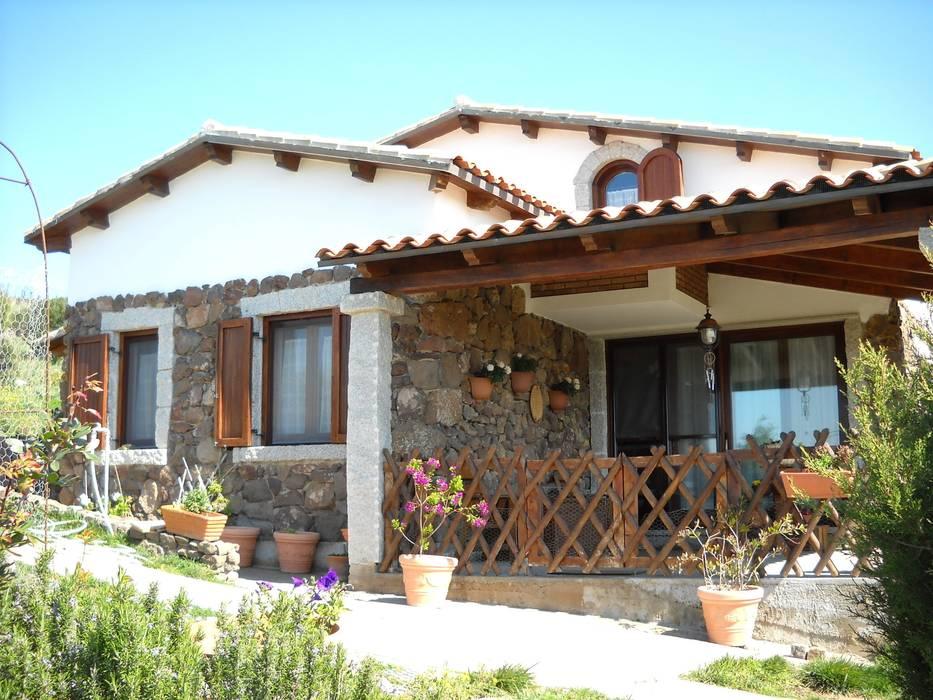 Casa nuova realizzazione Case in stile rustico di SOGEDI costruzioni Rustico