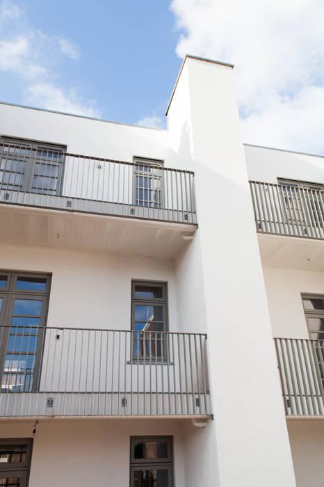 Pasillos, vestíbulos y escaleras modernos de Brand Olink Architecten Moderno