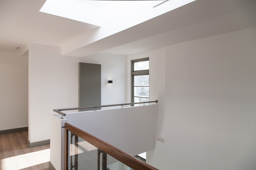 Paleis-Hof Moderne gangen, hallen & trappenhuizen van Brand Olink Architecten Modern