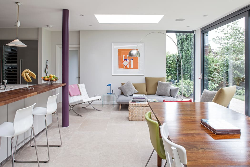 Rear Extension:  Dining room by Nic  Antony Architects Ltd