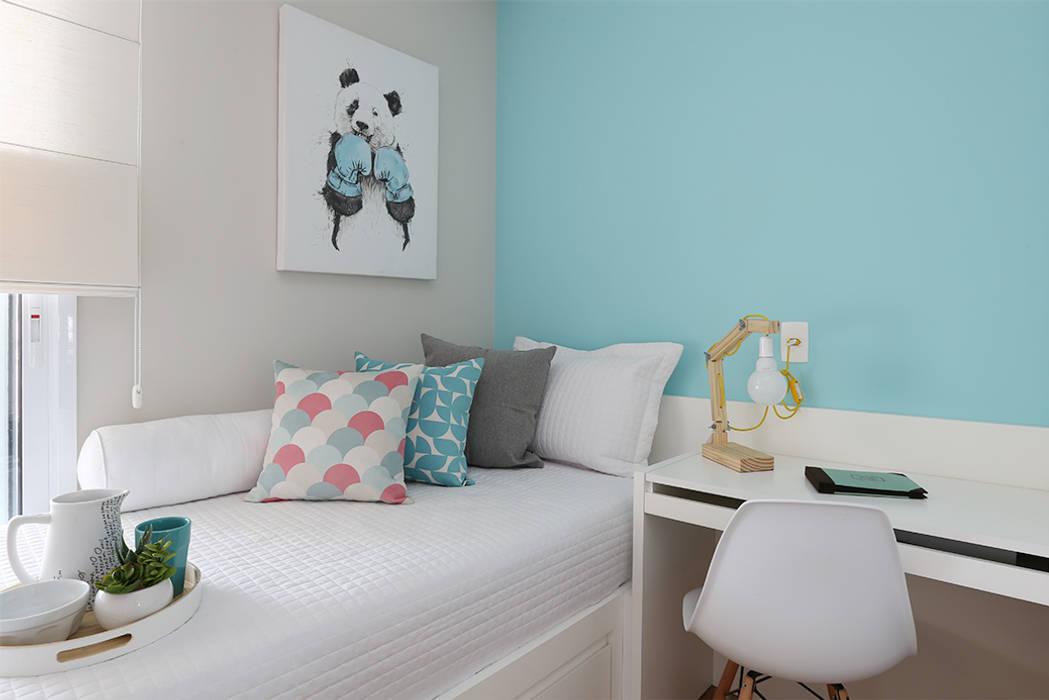 Bedroom by Duda Senna Arquitetura e Decoração
