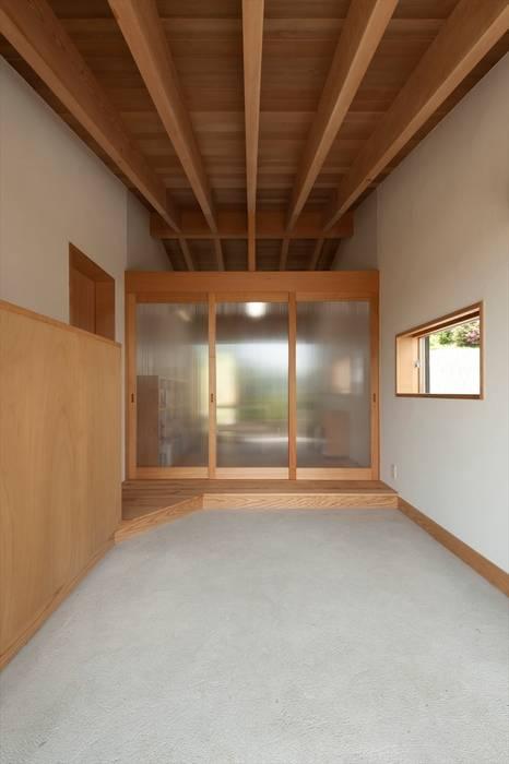Windows by 宇佐美建築設計室