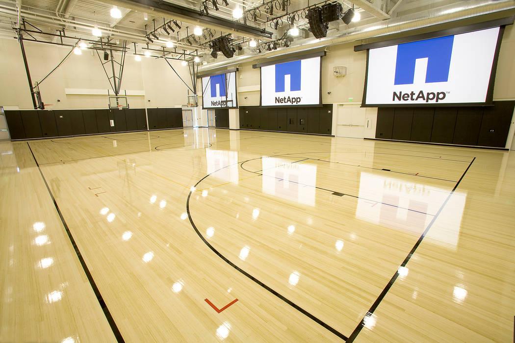 Group Enerji Yapı Dekorasyon – Doğal Renk Bambu Parke Basketball, voleyball spor sahaları zemin kaplamaları:  tarz Stadyumlar, Rustik