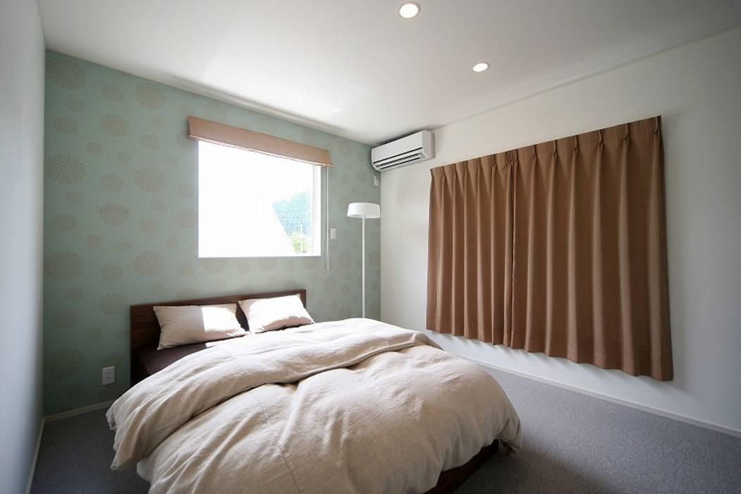 Bedroom by zuiun建築設計事務所 / 株式会社 ZUIUN, Modern