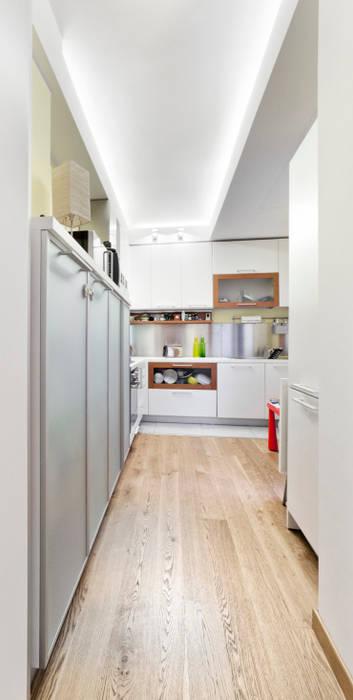 Modern Kitchen by 23bassi studio di architettura Modern Wood Wood effect