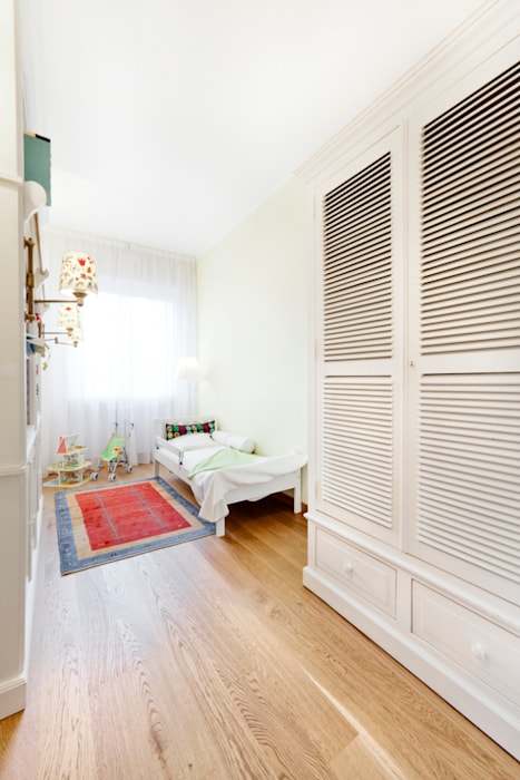 Chambre moderne par 23bassi studio di architettura Moderne Bois Effet bois