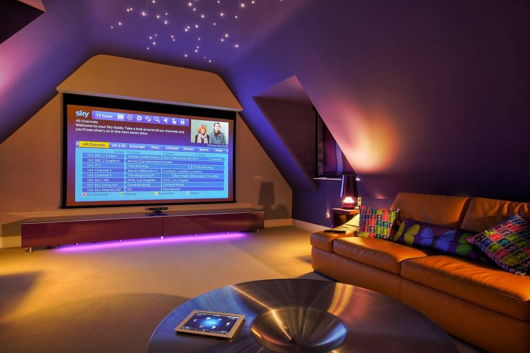 Incredible Loft Cinema Conversion Phòng giải trí phong cách hiện đại bởi New Wave AV Hiện đại