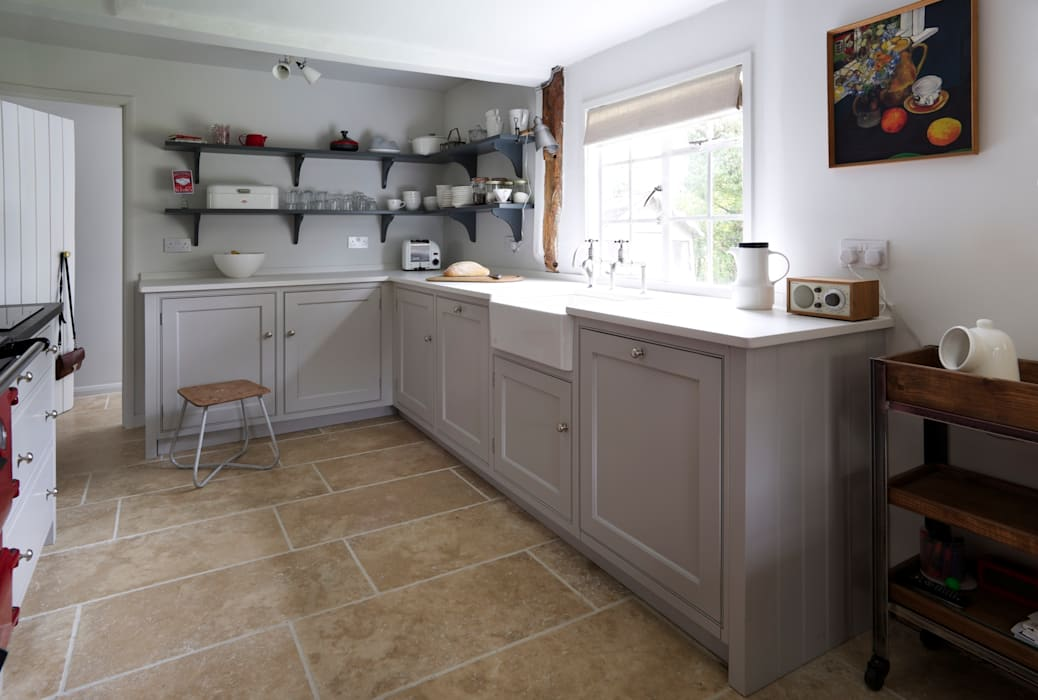 The Thatched Cottage, Suffolk | Modern Soft Grey Country Cottage Kitchen:  Kitchen By Humphrey