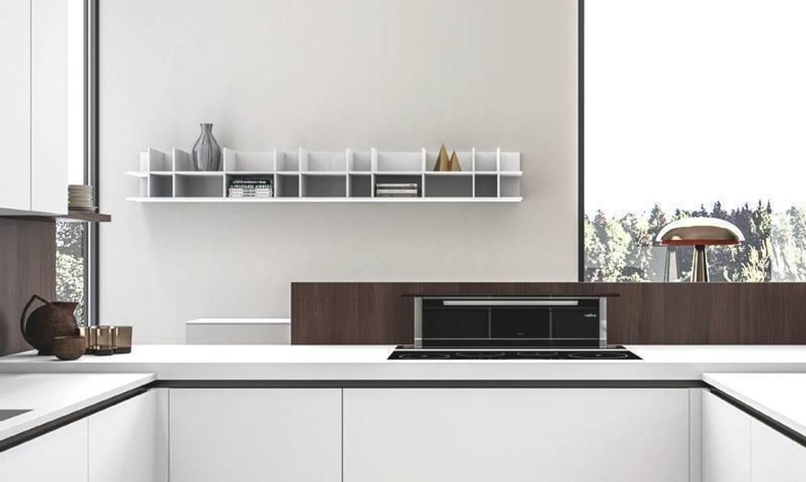 """Ambiente Cucina (A) - cappa """"down draft"""": Cucina in stile in stile Moderno di Nova Cucina"""