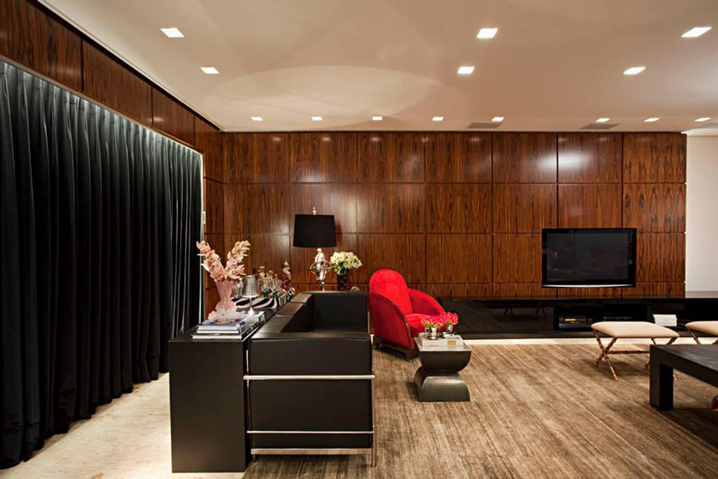 Salle multimédia de style  par homify, Éclectique