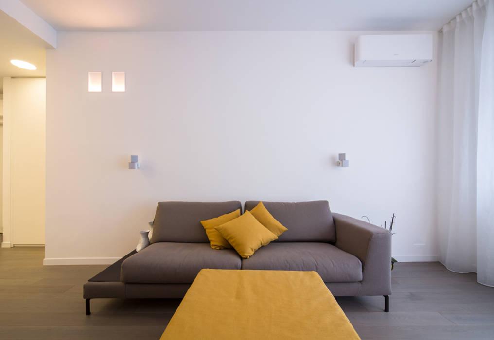 Salones minimalistas de ristrutturami Minimalista