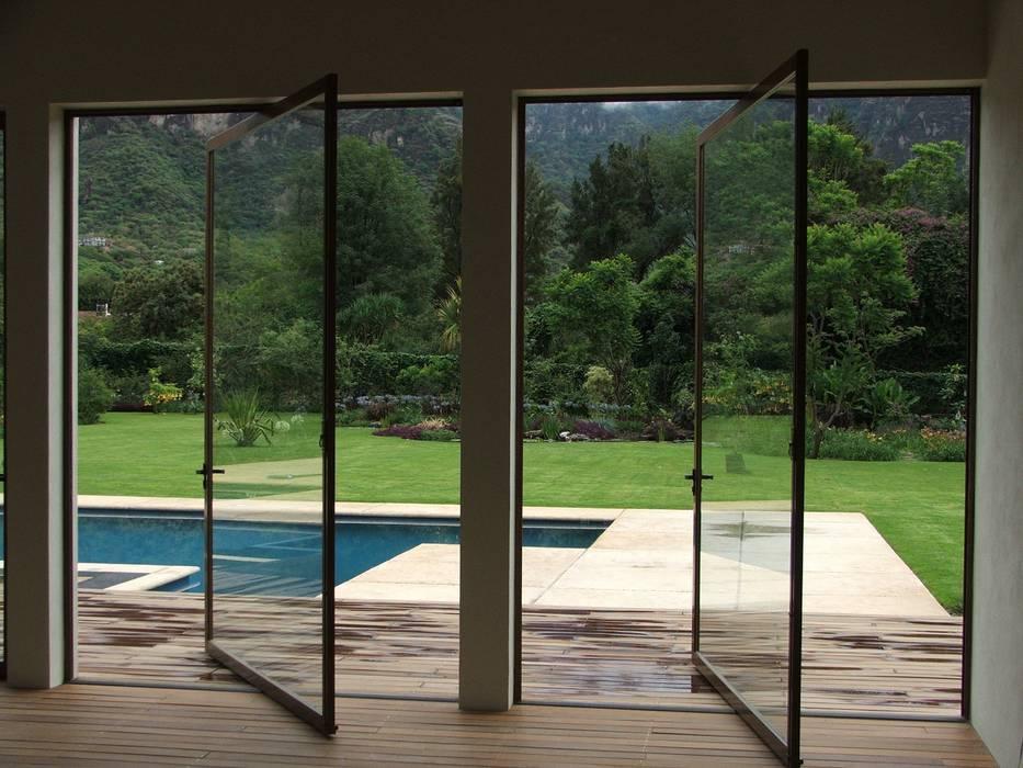 Pintu & Jendela Modern Oleh Multivi Modern
