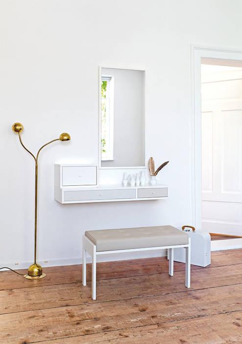 Couloir, entrée, escaliers modernes par Versat Moderne