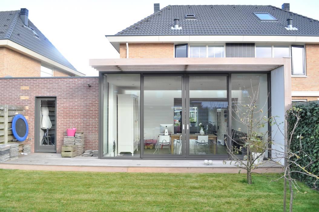 Nhà theo Nico Dekker Ontwerp & Bouwkunde,