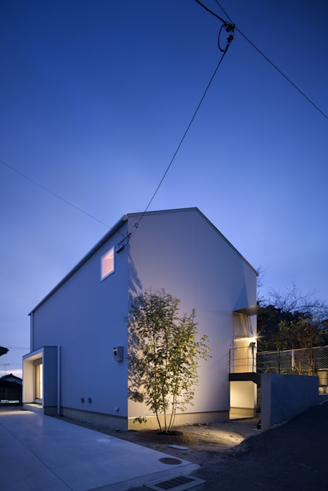 Modern houses by プラスアトリエ一級建築士事務所 Modern