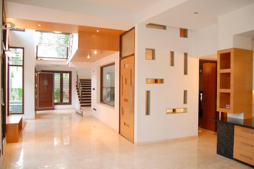 Hành lang, sảnh & cầu thang phong cách hiện đại bởi Muraliarchitects Hiện đại
