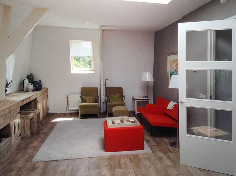 Zolderkamer Landelijke woonkamers van Sooph Interieurarchitectuur Landelijk
