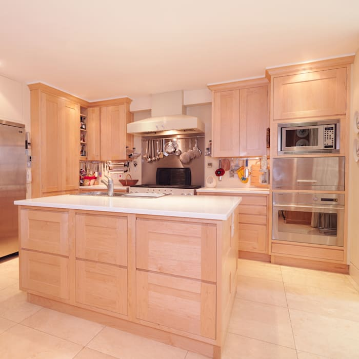 Balham Maple Kitchen designed and made by Tim Wood: modern  by Tim Wood Limited, Modern Solid Wood Multicolored