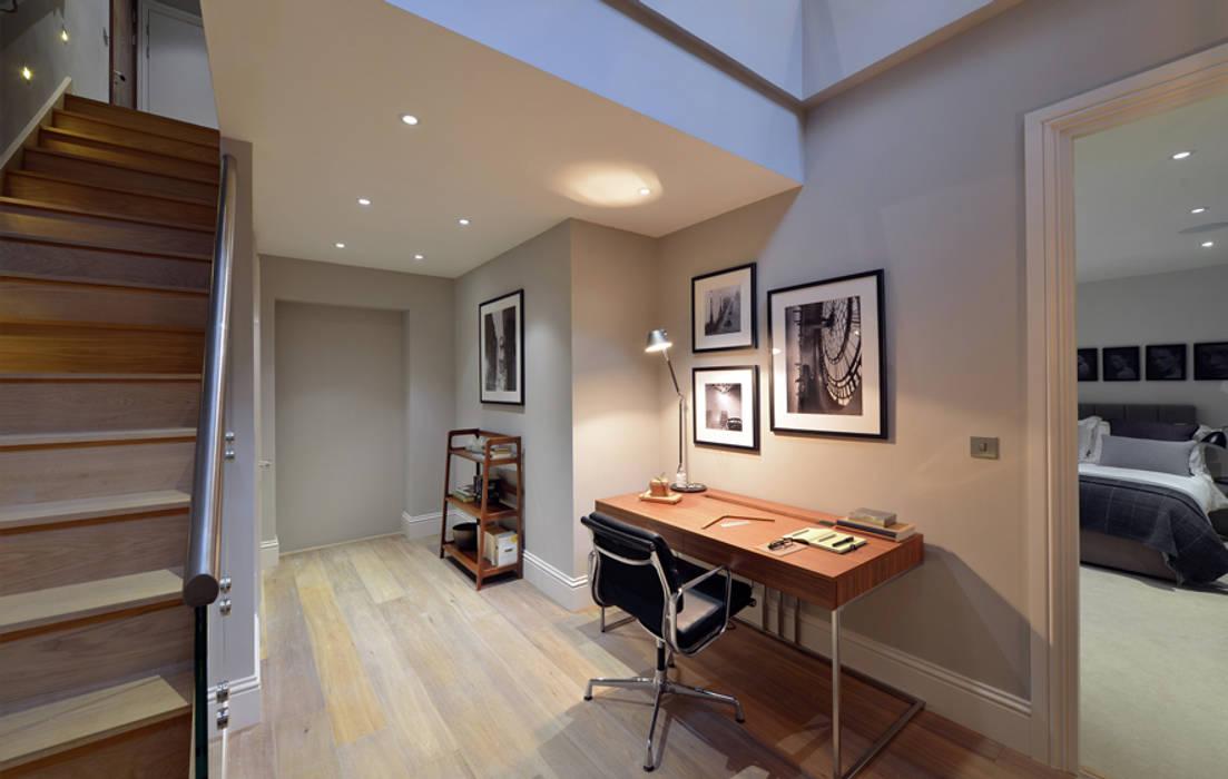 Leman Street Гостиная в стиле модерн от The Manser Practice Architects + Designers Модерн