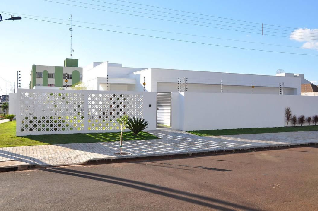 Дома в стиле модерн от DIOGO RIBEIRO arquitetura Модерн