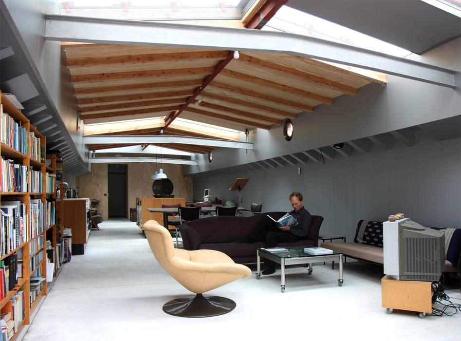 Roel Bosch architecten Ruang Keluarga Modern