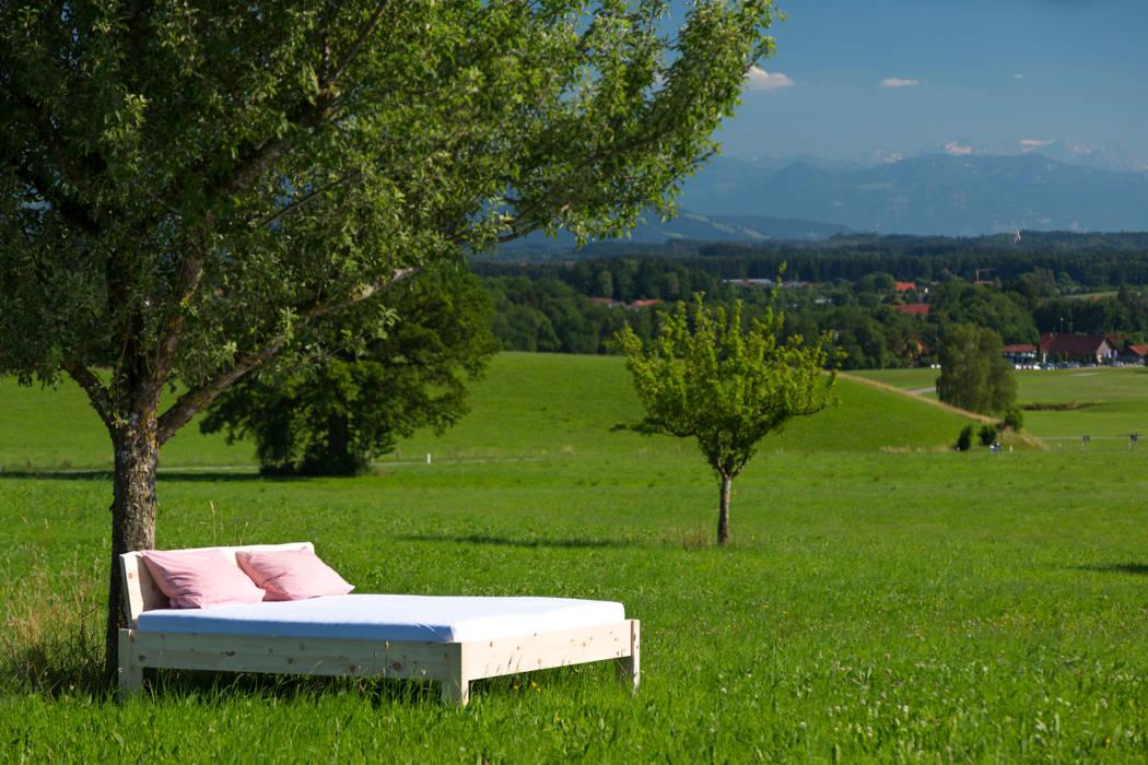 Ein Bett im Kornfeld!: modern  von Schreinerei Haas Mathias,Modern