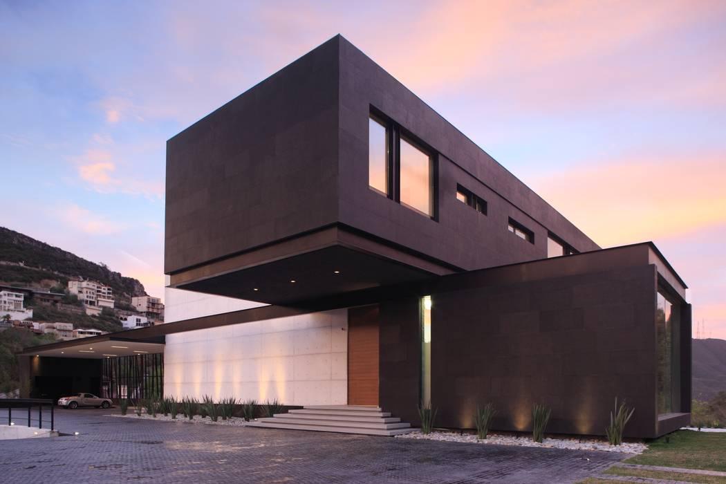 Casas modernas de GLR Arquitectos Moderno
