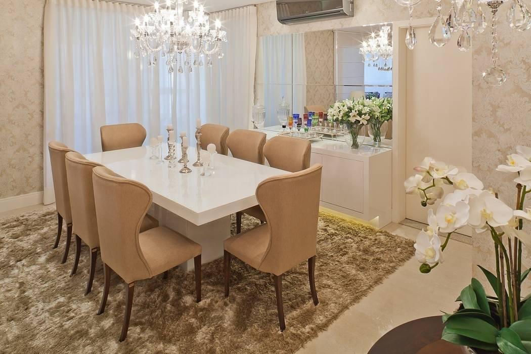 Sala da pranzo in stile classico di Mariane e Marilda Baptista - Arquitetura & Interiores Classico