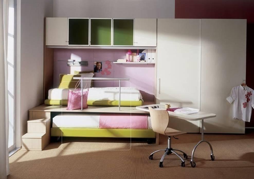Kid's room:  Bedroom by Metro Wardrobes London