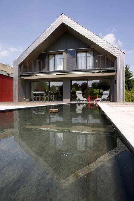 Sanierung Wohnhaus in Kirchberg Moderne Häuser von AESCHLIMANN ARCHITEKTEN Modern