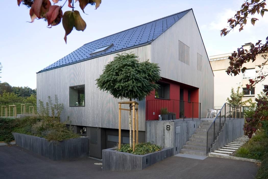 Maisons de style  par AESCHLIMANN ARCHITEKTEN, Moderne