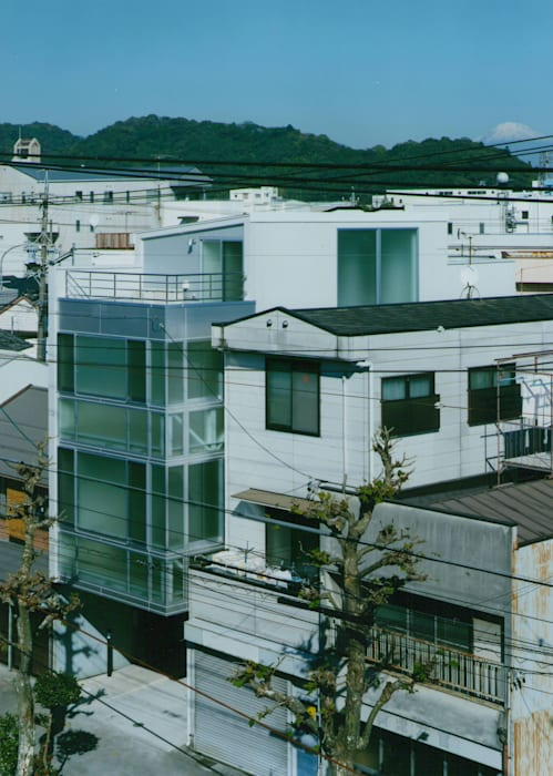 ランドスケープ モダンな 家 の 原 空間工作所 HARA Urban Space Factory モダン アルミニウム/亜鉛