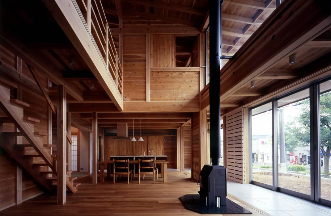 Livings de estilo ecléctico de HAN環境・建築設計事務所 Ecléctico Madera Acabado en madera