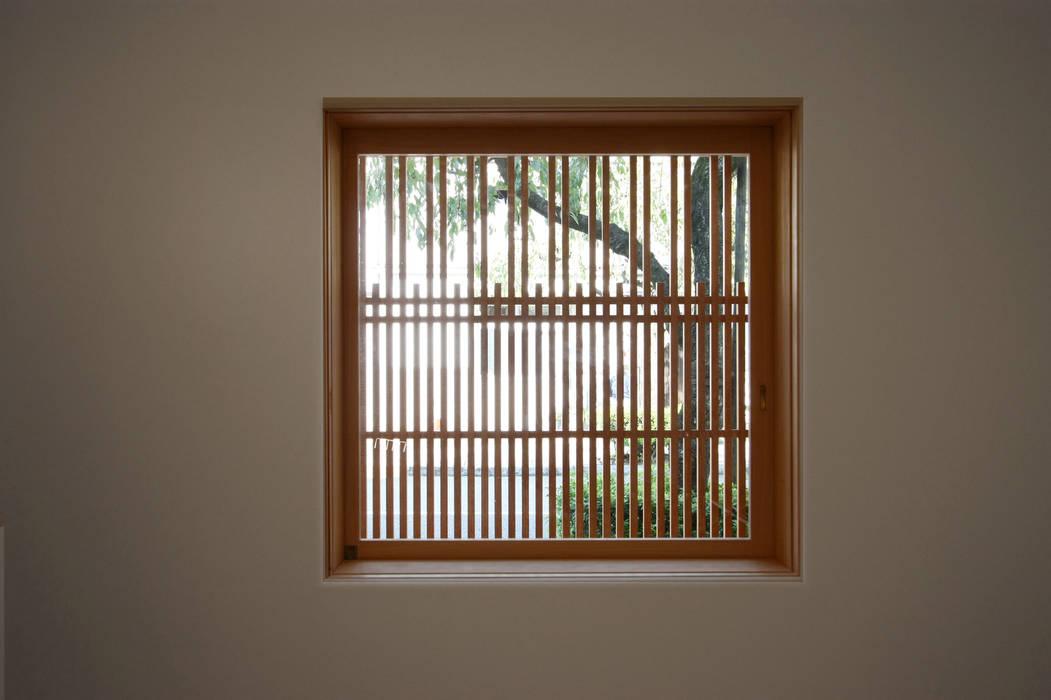 Cửa sổ by 一級建築士事務所 ヒモトタクアトリエ