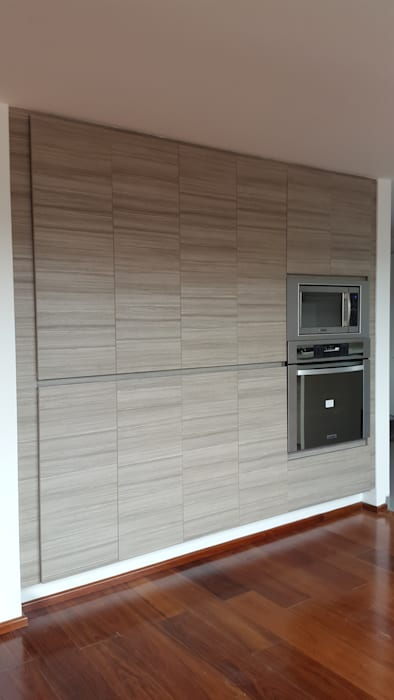 Bisazza: Cocinas de estilo  por InteriorEs Silvana McColgan, Moderno