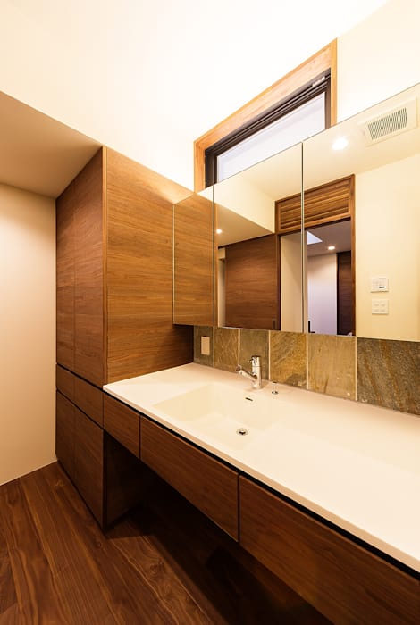ubud: 一級建築士事務所hausが手掛けた浴室です。,和風