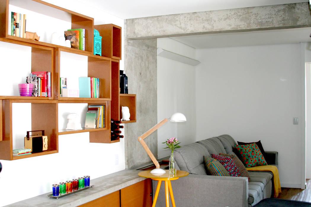 Ruang Keluarga Modern Oleh verso arquitetura Modern
